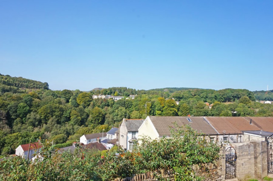 Images for Quakers Yard, Treharris, CF46 5DH EAID: BID:Ystrad-mynach-branch